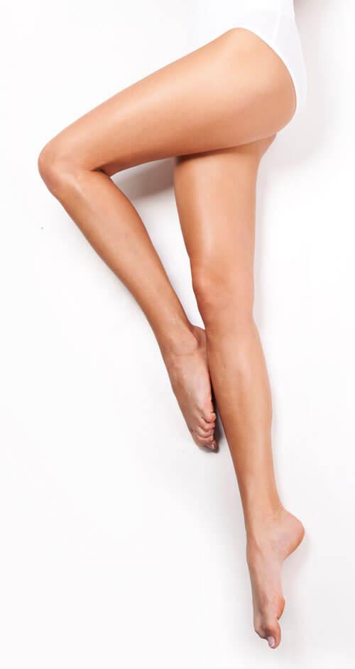 jambes femmes lisses apres epilation laser