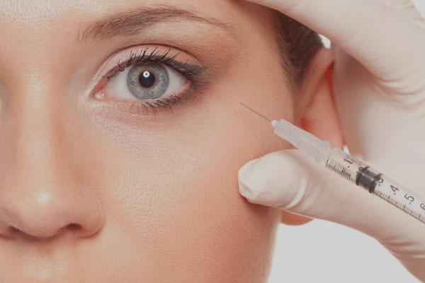Injections acide hyaluronique, alternative à la chirurgie ?